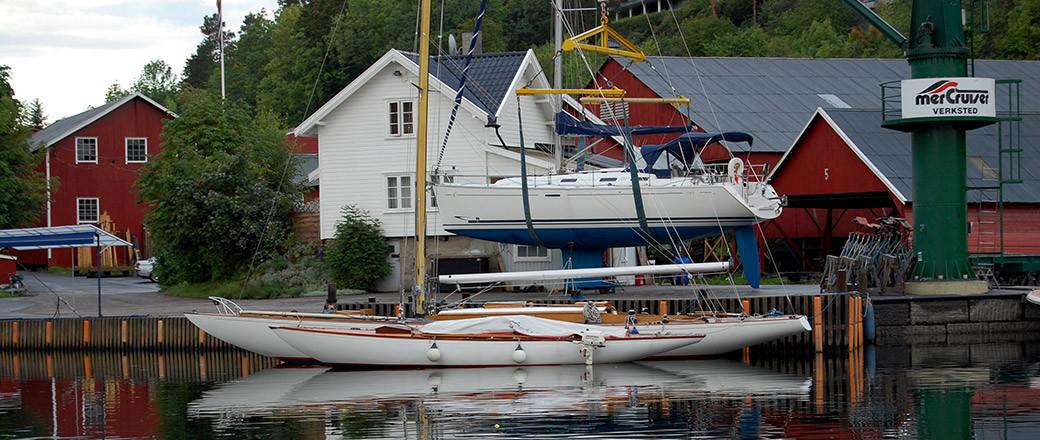 Slippsetting på Holmen Yachtværft