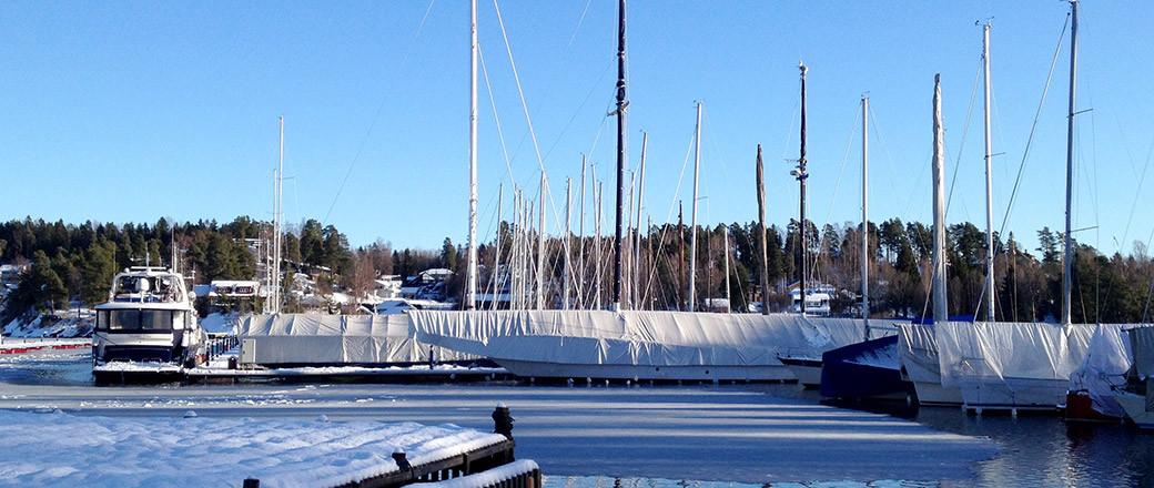 Vinteropplag båt